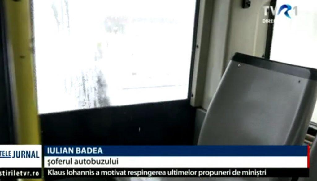17-ani-fata-autobuz