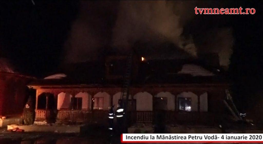 incendiu-manastirea-petru-voda